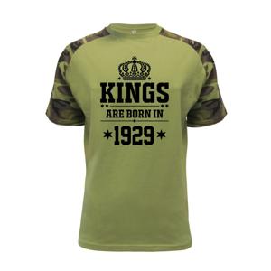 Kings are born in 1929 - Raglan Military